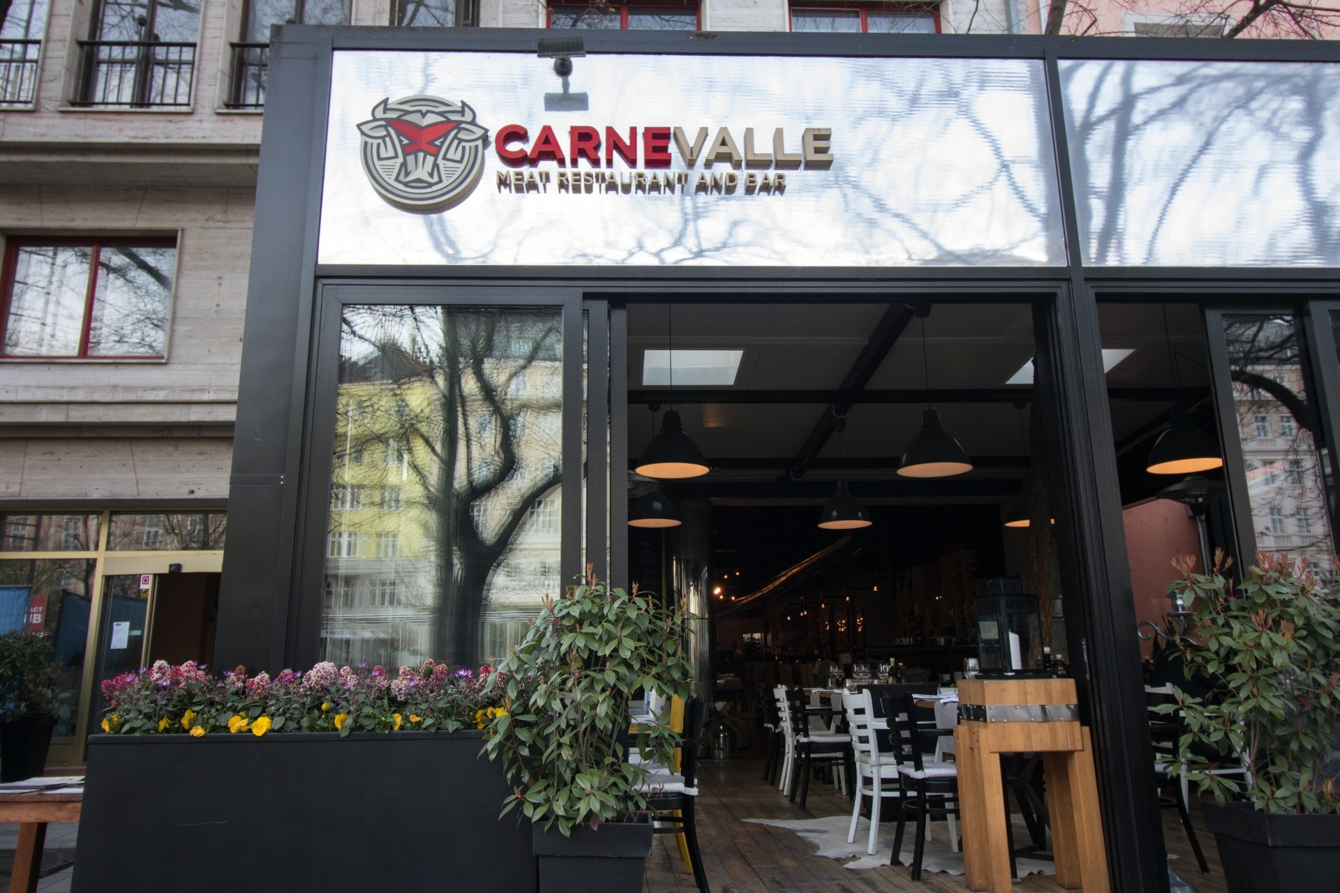modern-restaurant-from-outside-carnevalle-meat-restaurant-and-bar