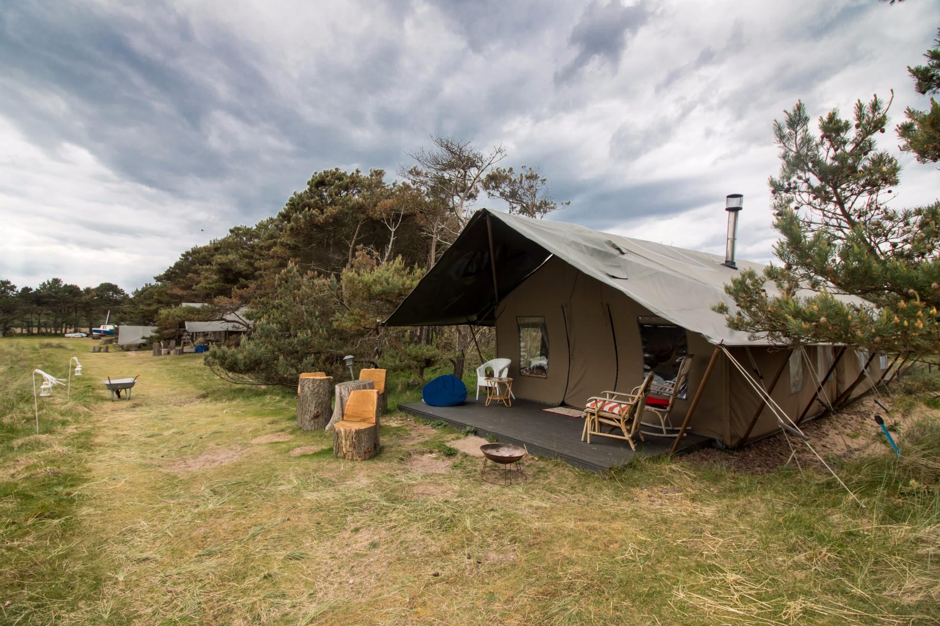 Sleeping in a Safari Tent at Harvest Moon Holidays near North Berwick East Lothian ... & Sleeping in a Safari Tent at Harvest Moon Holidays | Faraway Lucy