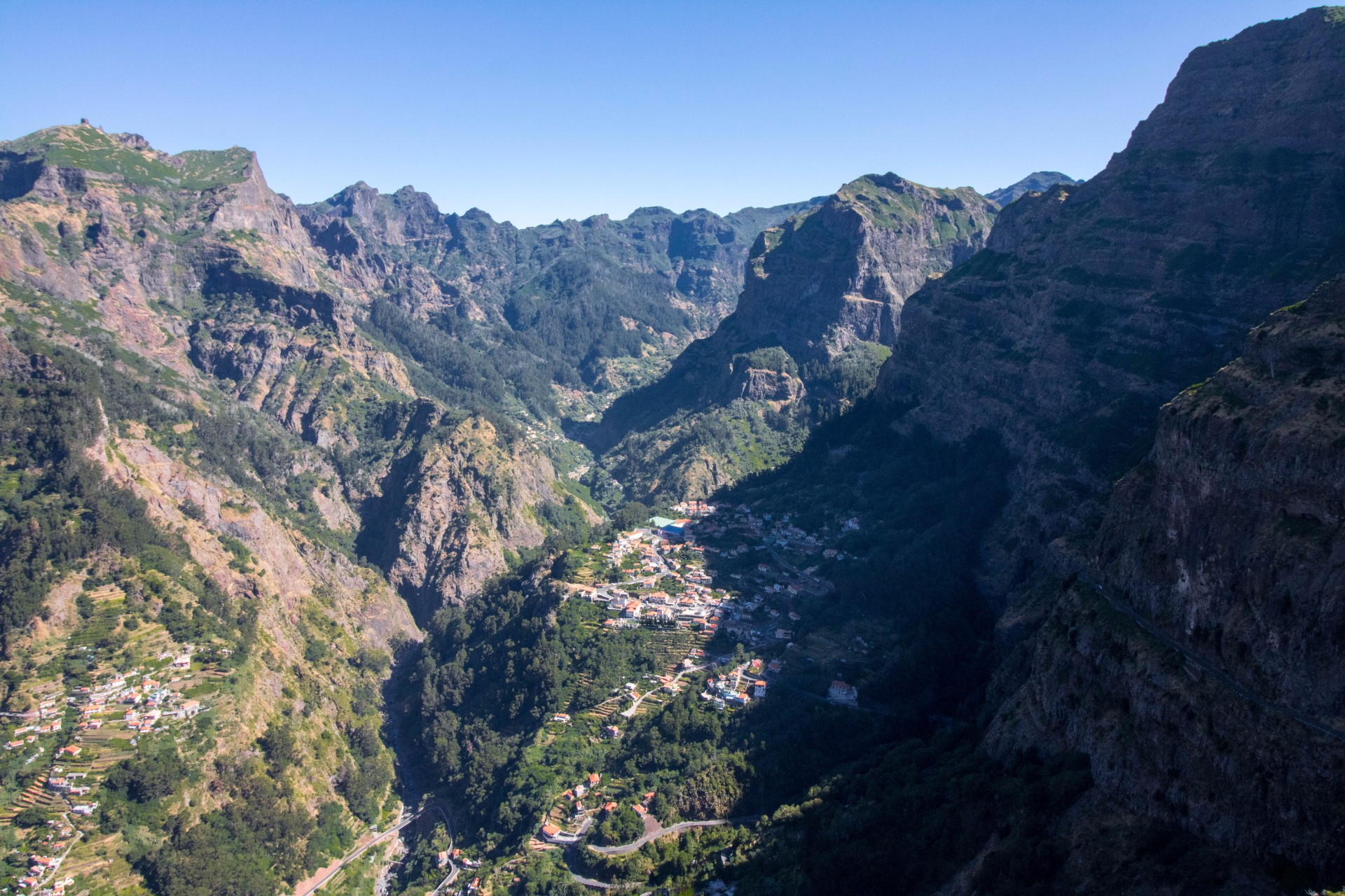 6 reasons why you need to visit Madeira, the Hawaii of Europe/Europe's best kept secret. Madeira is a Portuguese island which boasts amazing weather, gorgeous scenery, lush forests, mountains, lava pools, endless outdoor activities, and incredible local food. Click through to read more...