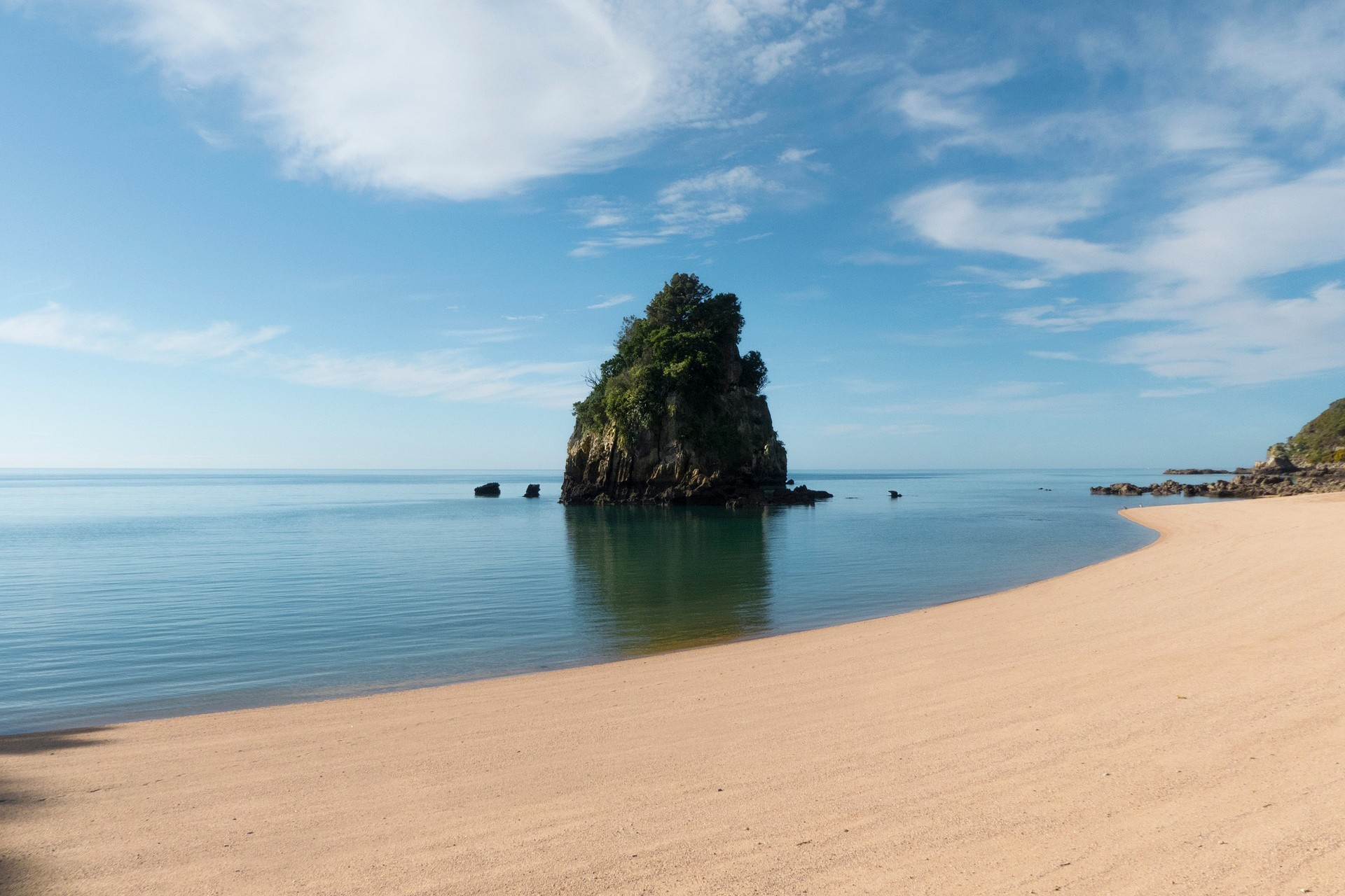 Abel Tasman National Park The Ultimate New Zealand Bucket List Faraway Lucy Travel Blog