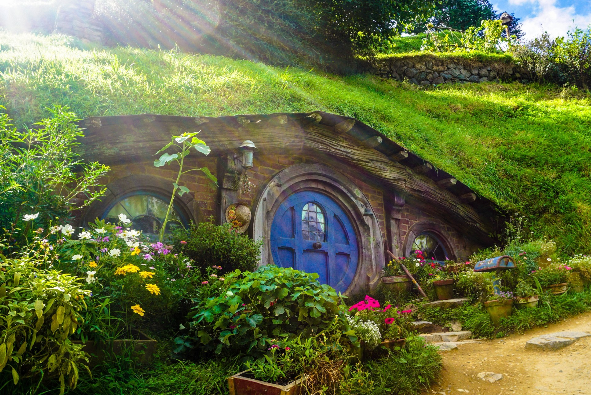 Hobbiton The Ultimate New Zealand Bucket List Faraway Lucy Travel Blog