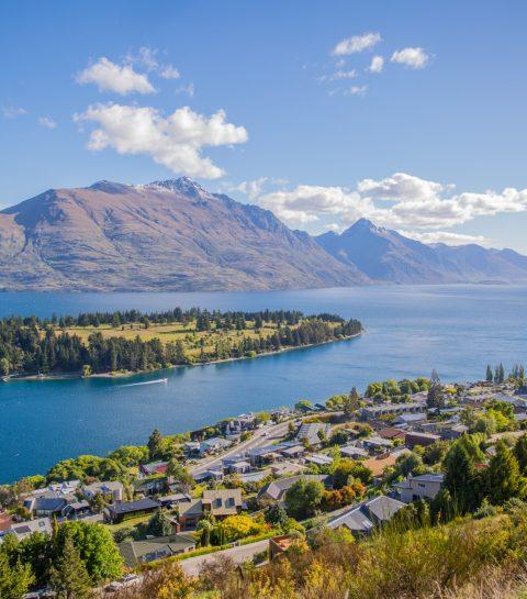 The Ultimate New Zealand Bucket List Queenstown New Zealand Faraway Lucy Travel Blog