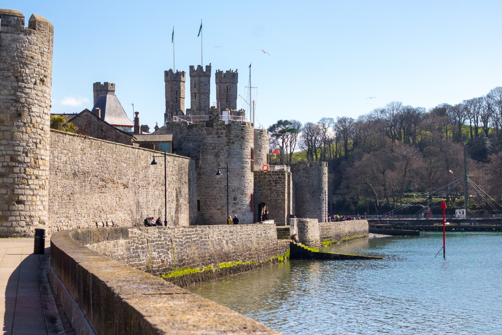 Caernarfon Castle. Welsh castles. An Adventurous Weekend in North Wales. What to see and do in North Wales in just 48 hours. North Wales weekend guide travel blog. Snowdonia National Park, Zip World, Velocity, Bounce Below, Criccieth, Portmeirion, Caernarfon, Pwlhelli. Click through to read more...