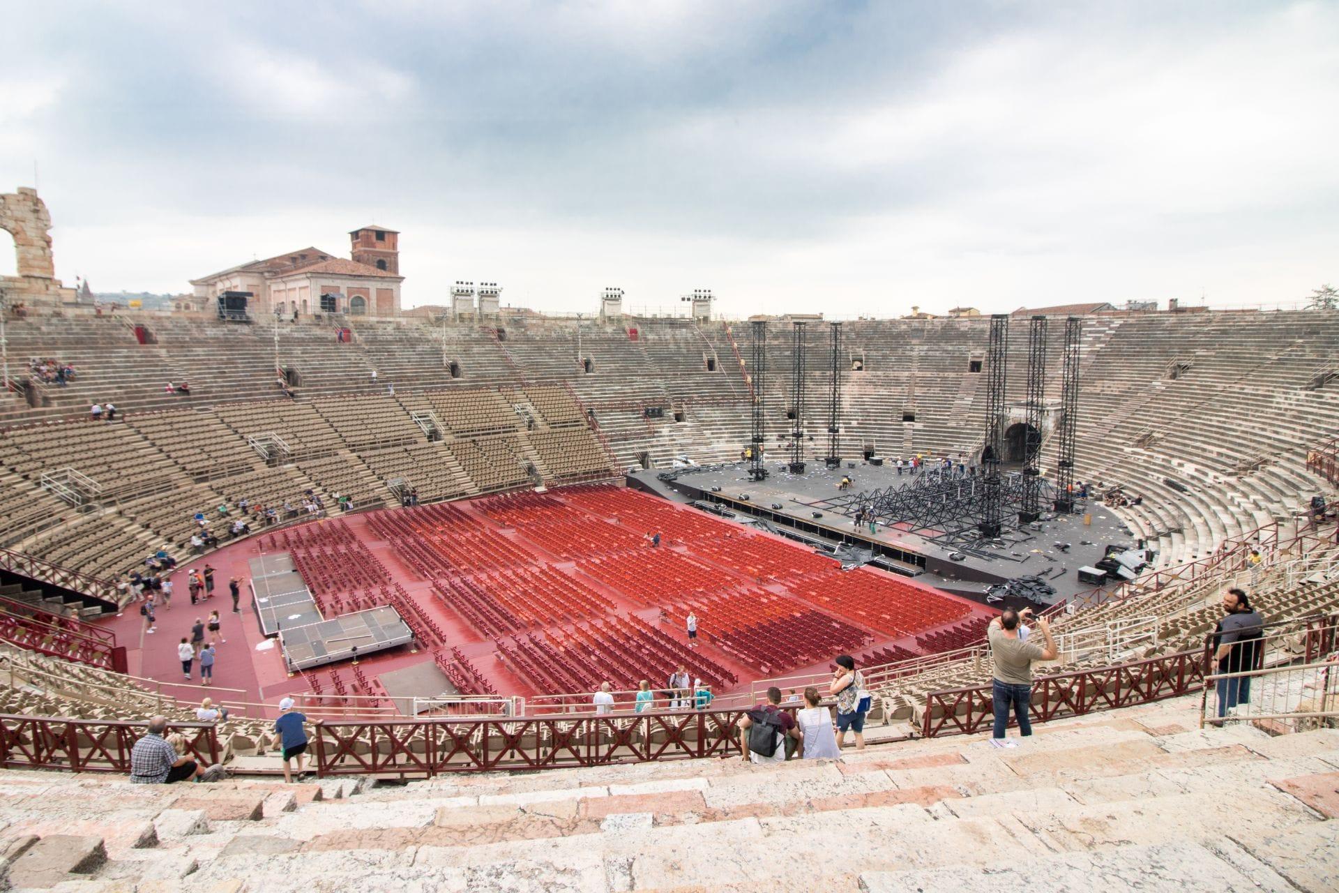 historic-roman-ampitheatre-in-italy-verona-arena