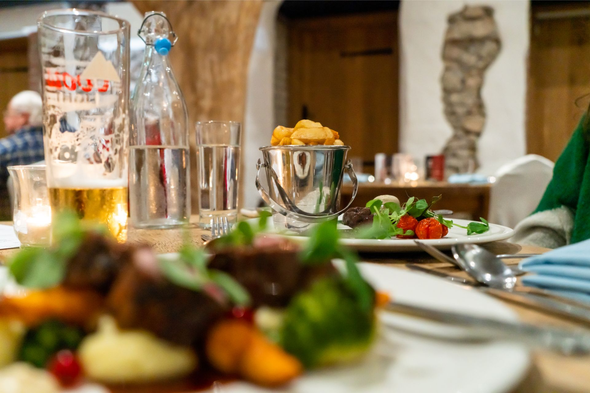 food-meals-at-restaurant-chips-and-steak-oxwich-bay-hotel-restaurant-wales