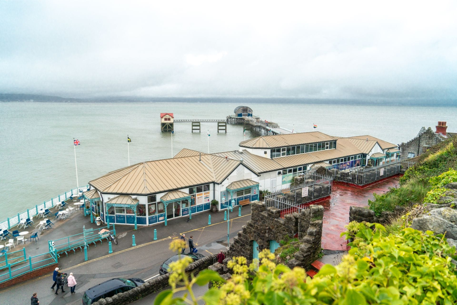 mumbles-pier-and-arcade-reaching-out-to-sea-weekend-in-the-gower-swansea-bay-wales