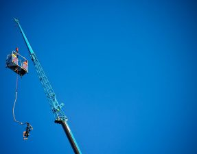crane-bungee-jumping-uk