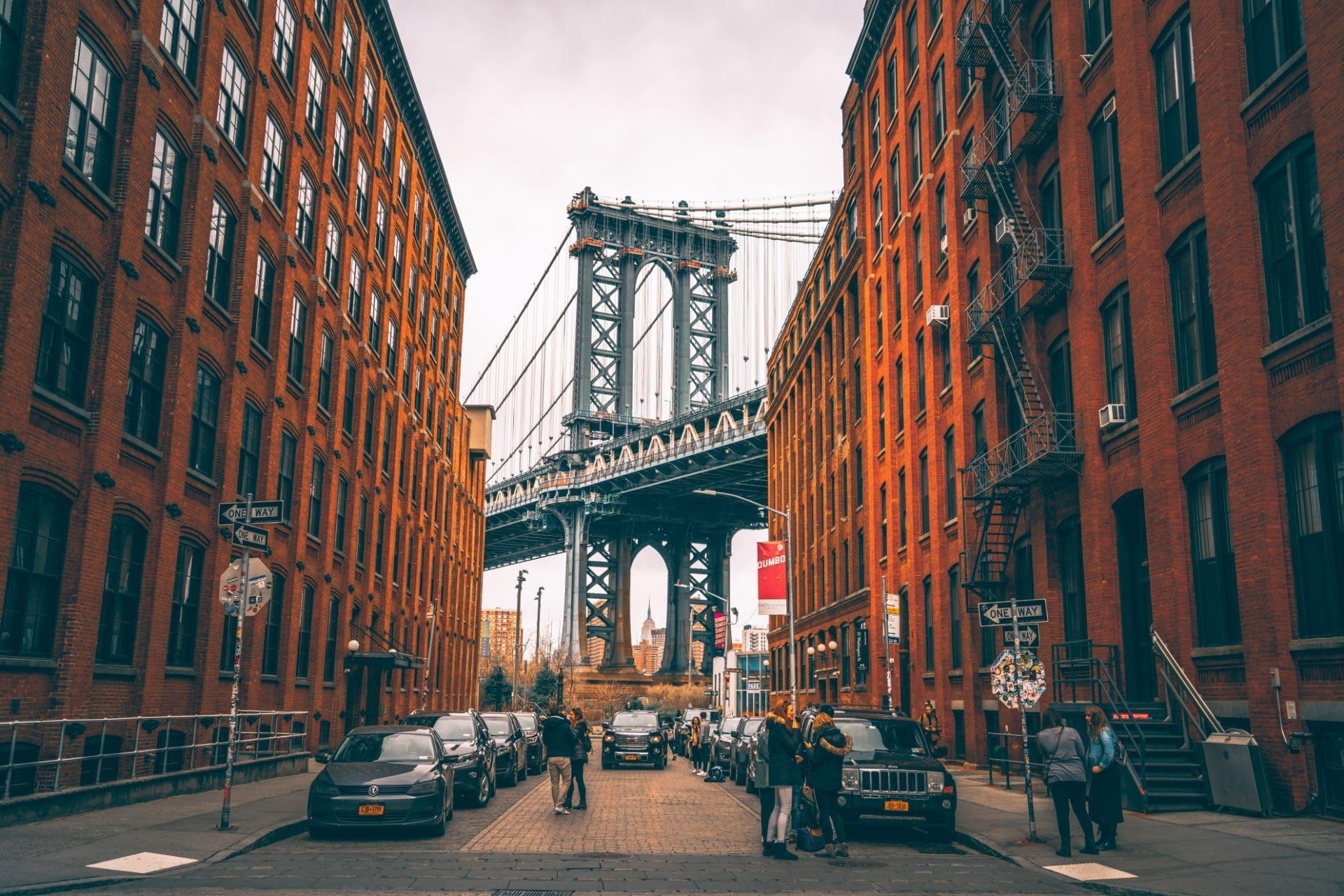 manhattan-bridge-seen-from-washington-street-and-water-street-dumbo-brooklyn-new-york-in-4-days