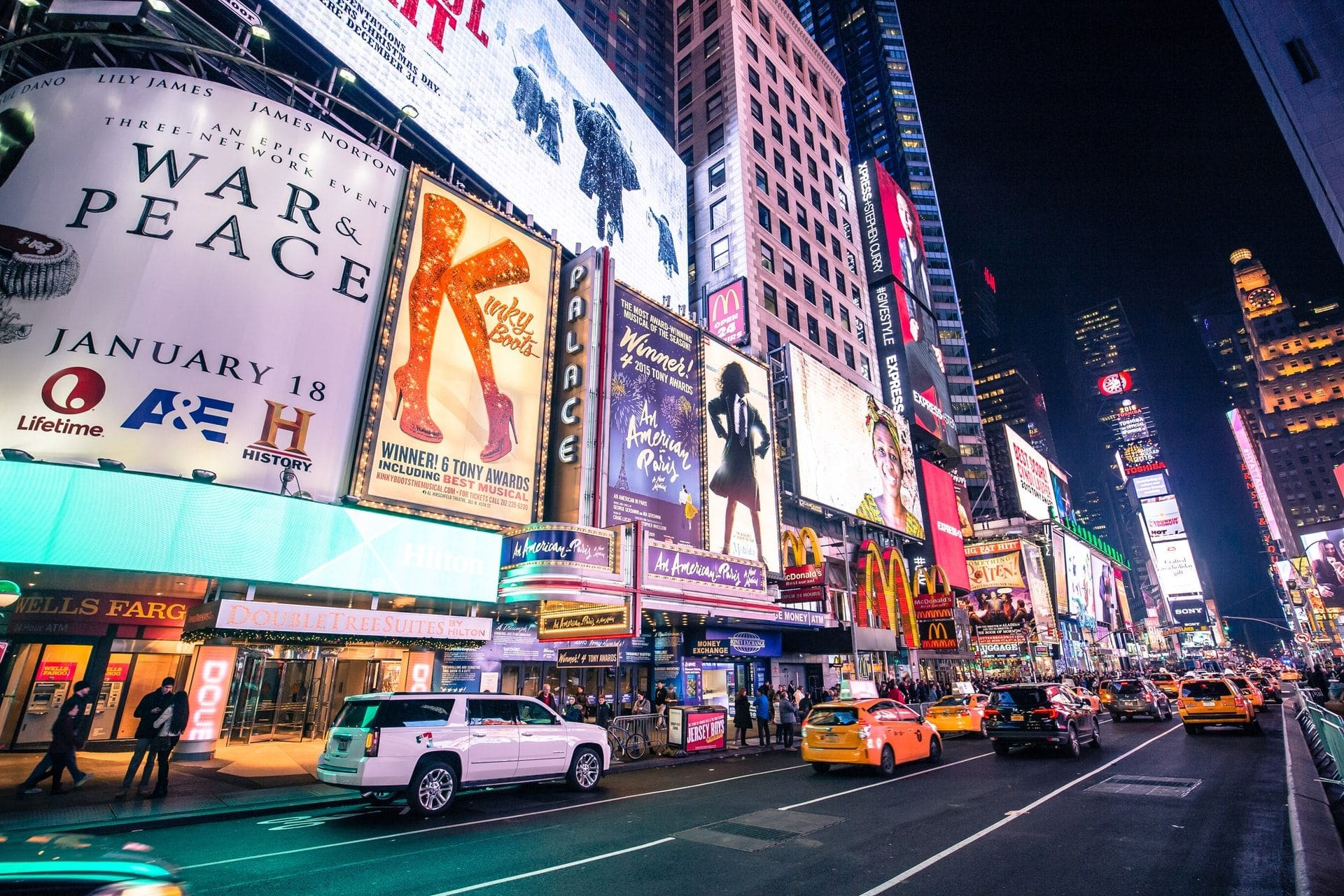 times-square-and-broadway-lit-up-at-night