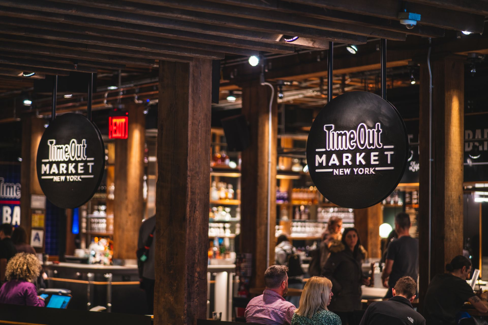 bars-and-street-food-inside-time-out-market-new-york-in-dumbo-brooklyn
