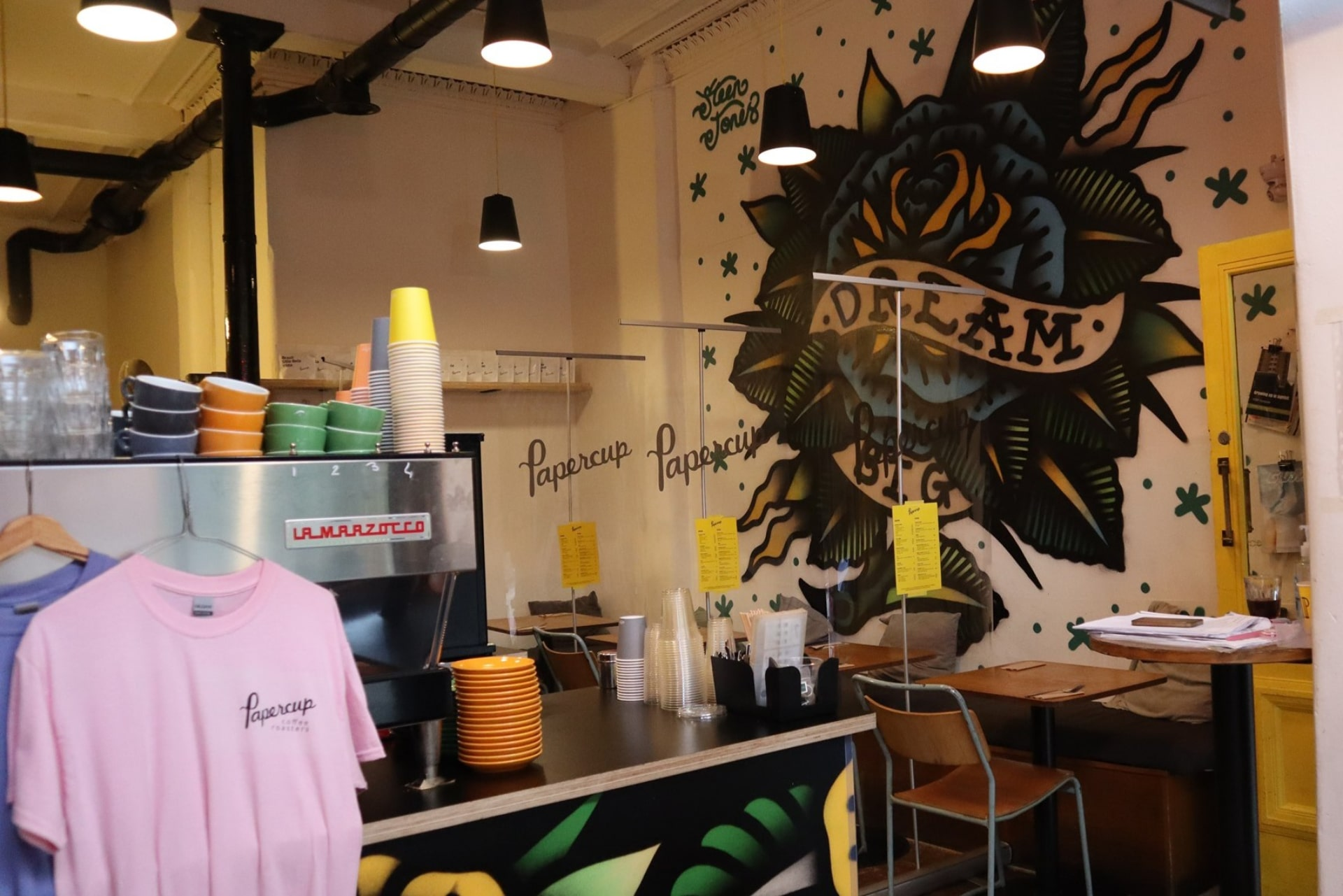 cool-edgy-interior-of-coffee-shop-with-grafitti-on-walls-papercup-glasgow