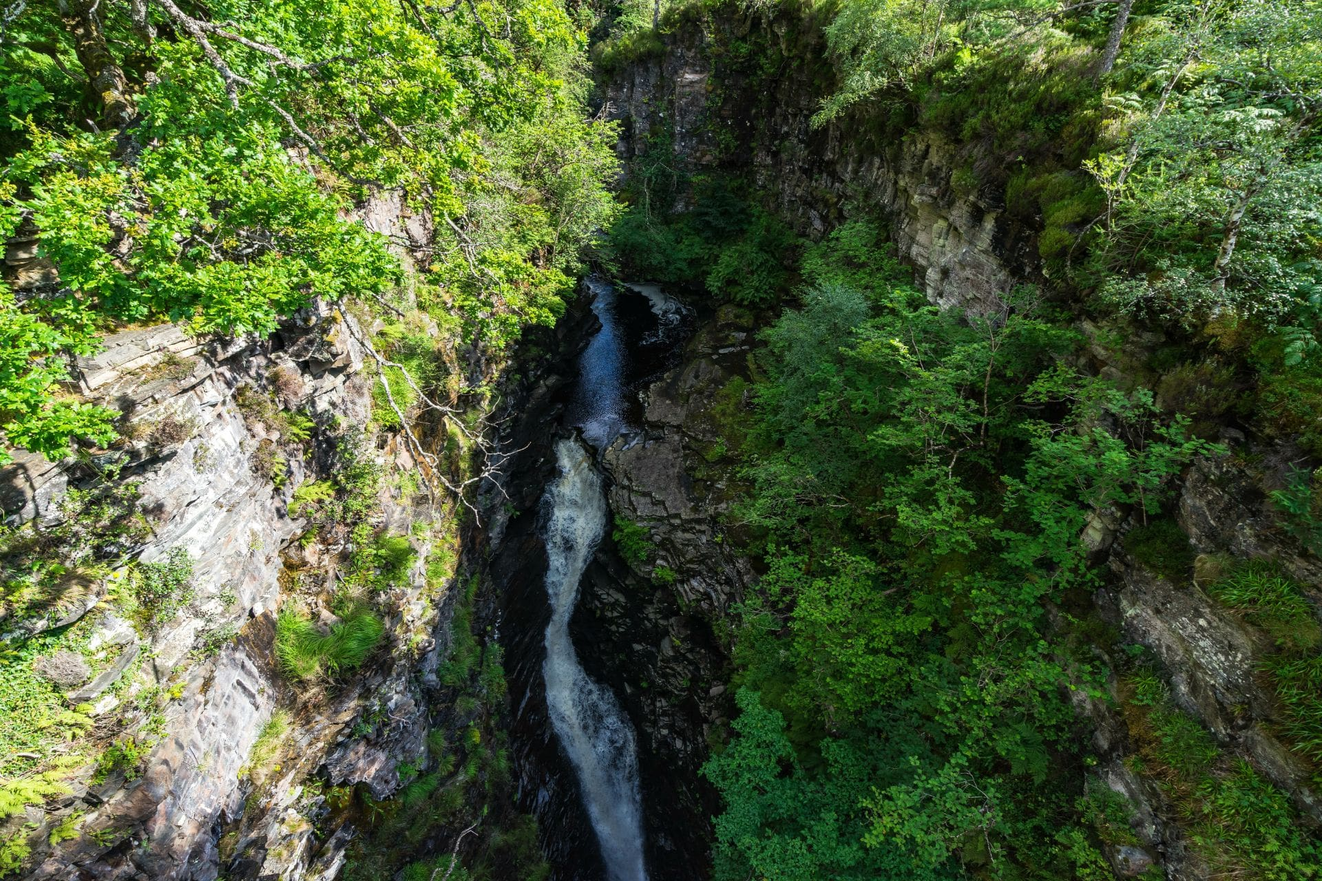 corrieshalloch-gorge-and-waterfall-falls-of-measach