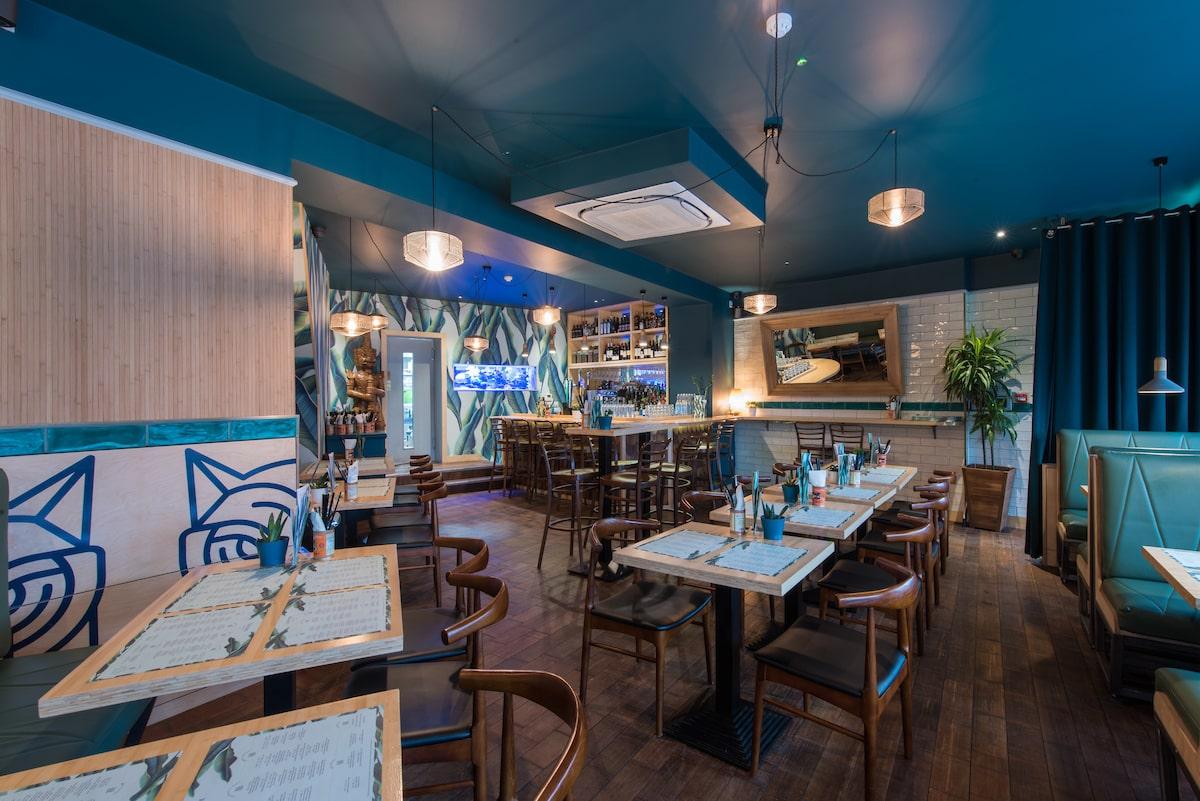inside-empty-blue-thai-restaurant-tiger-rock