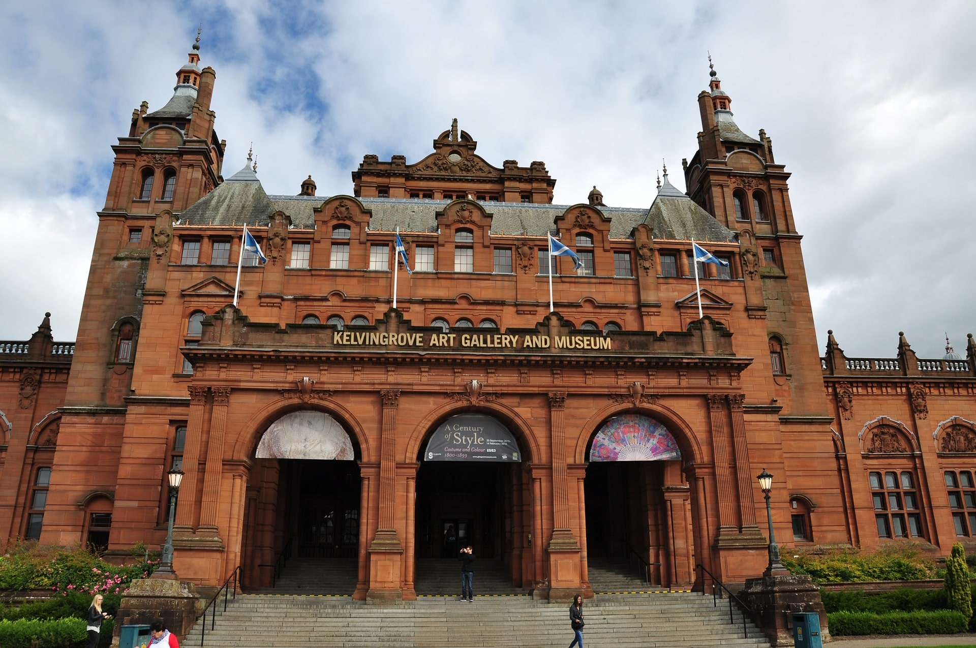 kelvingrove-art-gallery-and-museum-old-historic-building