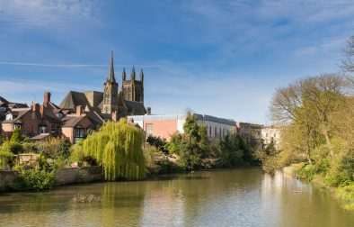 river-running-through-royal-leamington-spa-by-cathedral-day-trips-from-peterborough