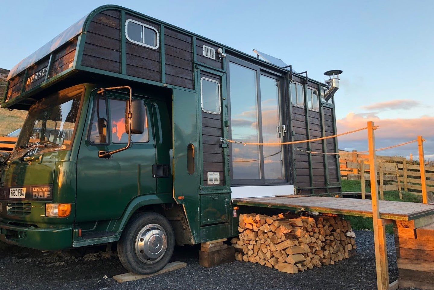 away-from-it-all-horsebox-glamping-accommodation-with-decking-glamping-snowdonia