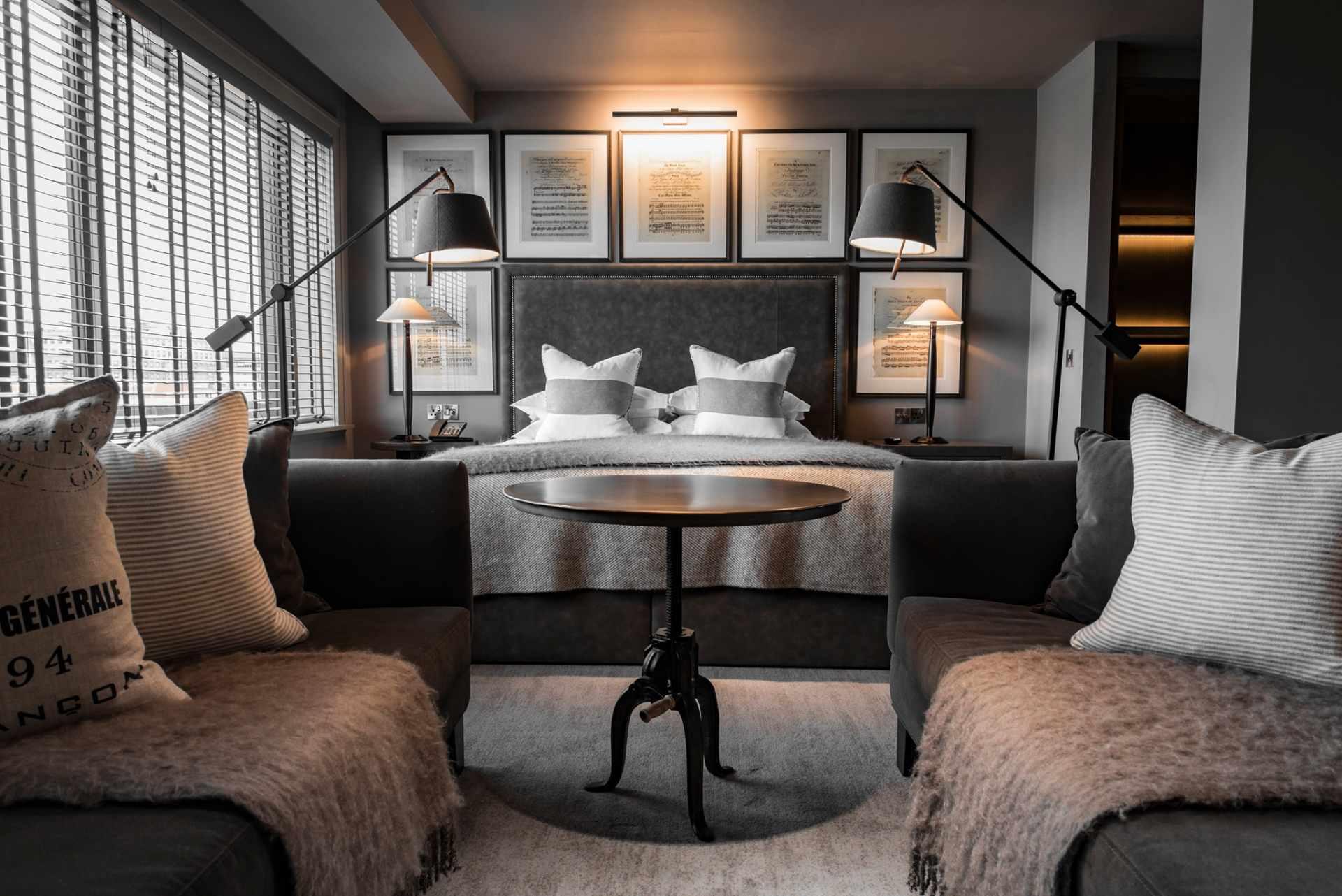 black-and-white-minimalist-hotel-room-at-dakota-leeds