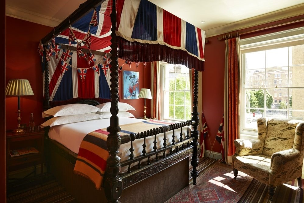 british-themed-hotel-room-at-zetter-townhouse