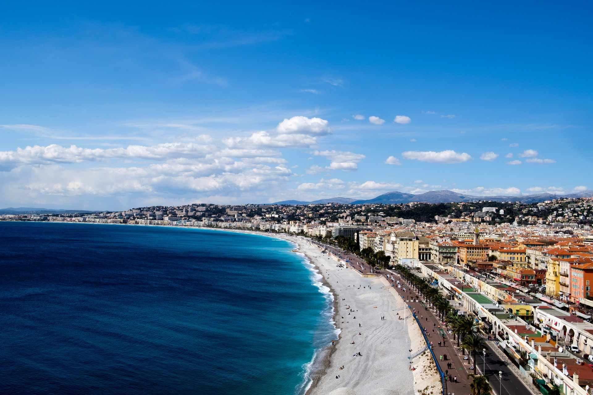 castle-hill-view-over-nice-city-beach-ocean-and-buildings-free-things-to-do-in-nice
