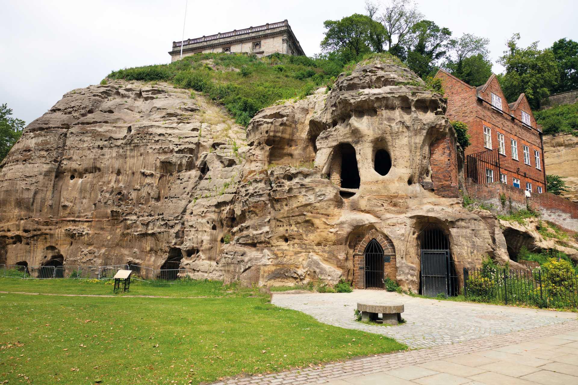 caves-inside-hillside-city-of-caves-indoor-activities-nottingham