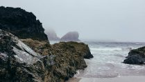 cornish-beach-on-foggy-day-in-winter