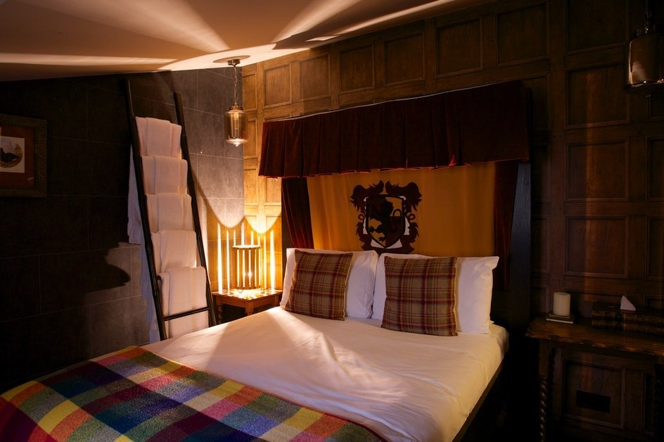 harry-potter-hotel-room-wizard-chamber-at-the-georgian-house-hotel