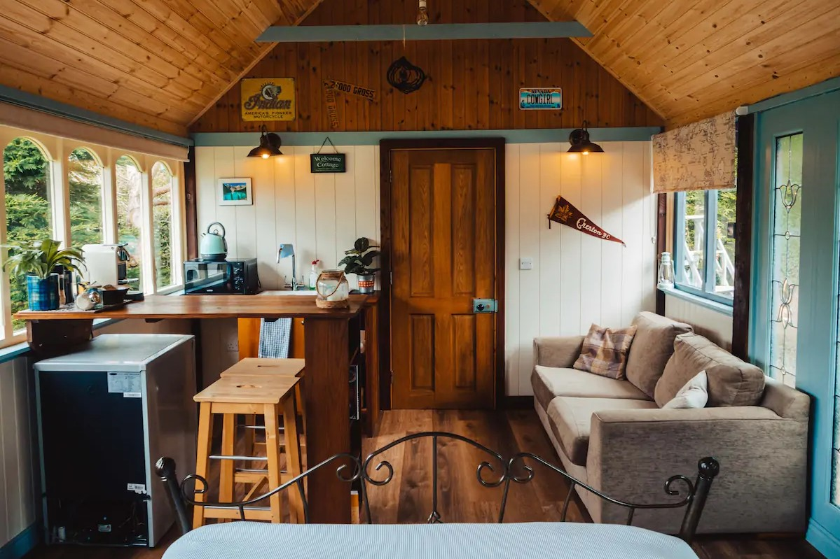 inside-the-living-area-of-the-causeway-coast-cabin-in-ballycastle-bushmills-glamping-northern-ireland