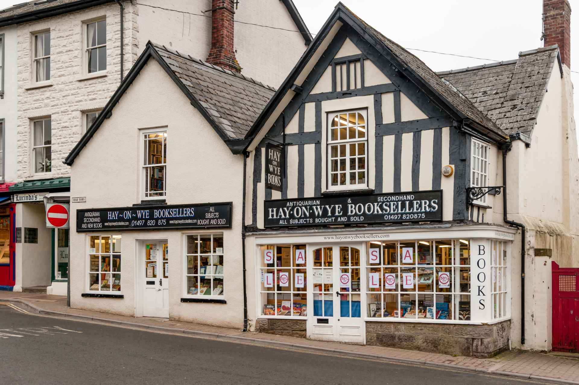 old-historic-hay-on-wye-booksellers-bookshop