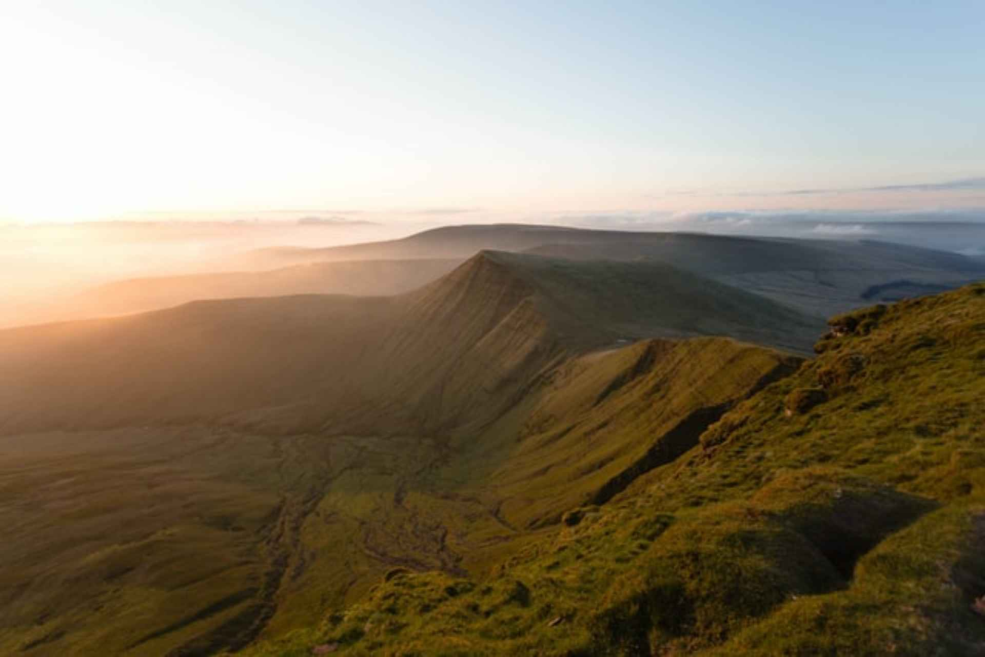 pen-y-fan-mountain-in-the-brecon-beacons-at-sunset-days-out-in-south-wales