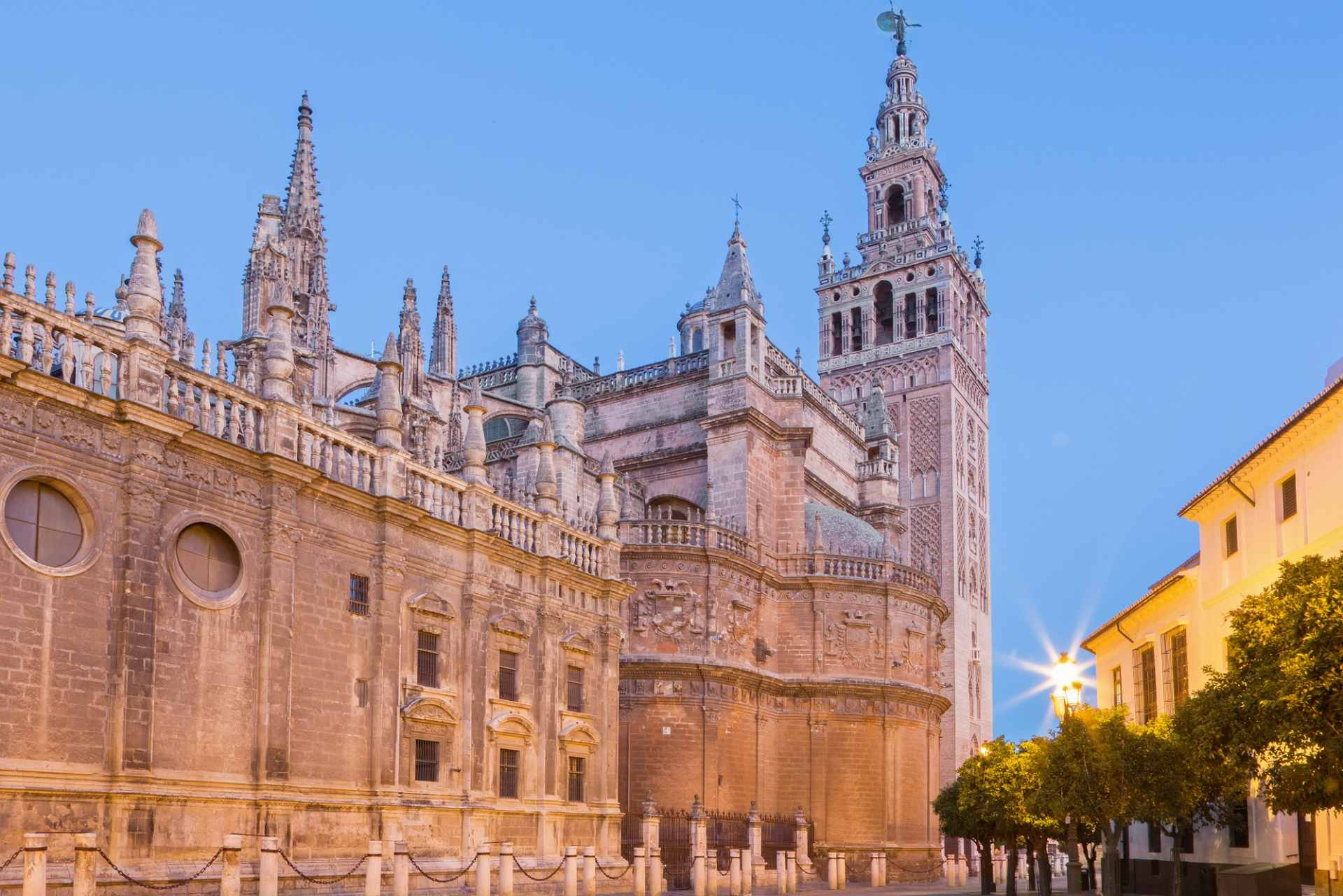 seville-cathedral-at-sunset