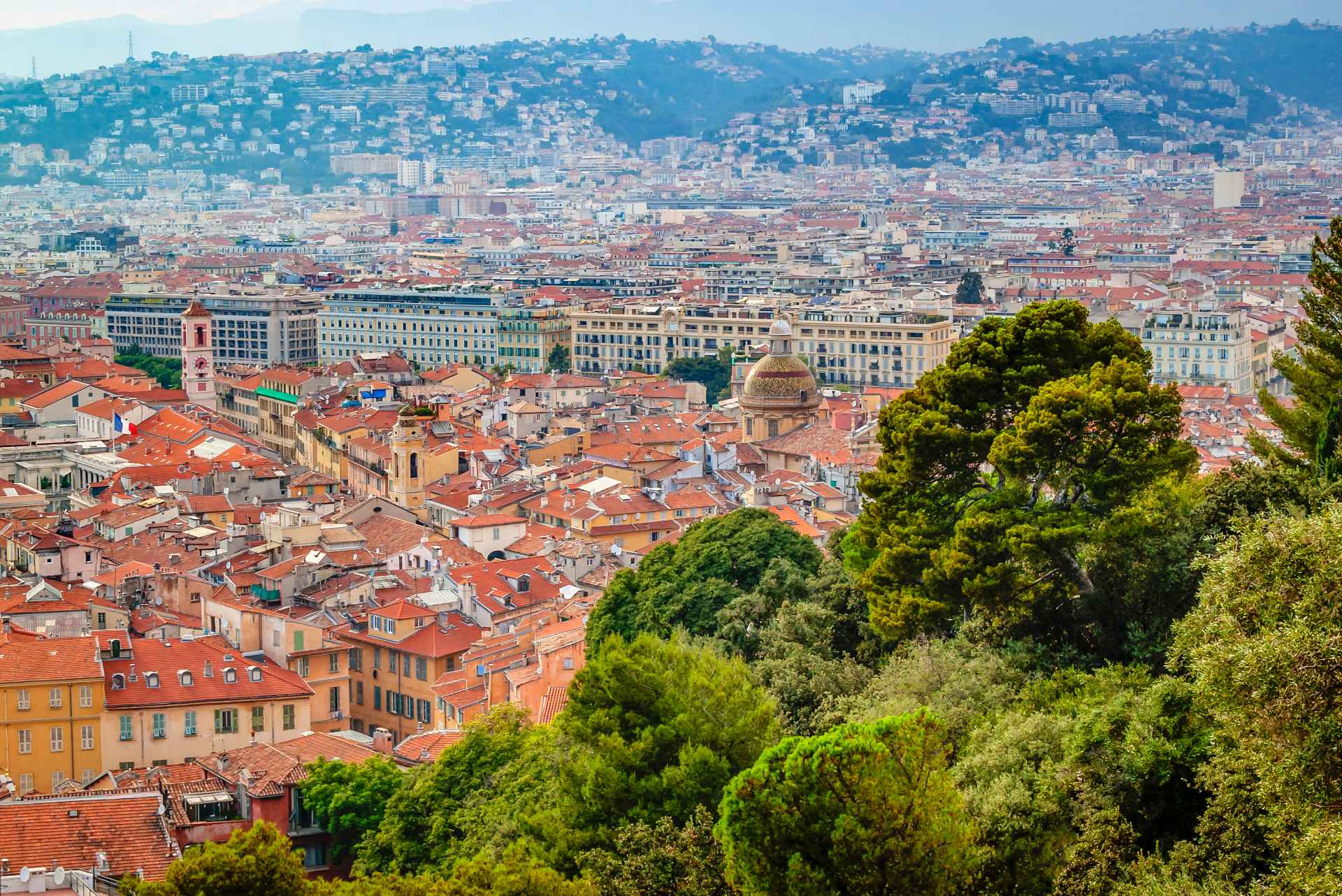 views-from-parc-du-mont-boron-over-trees-onto-orange-rooftops-of-city-of-nice