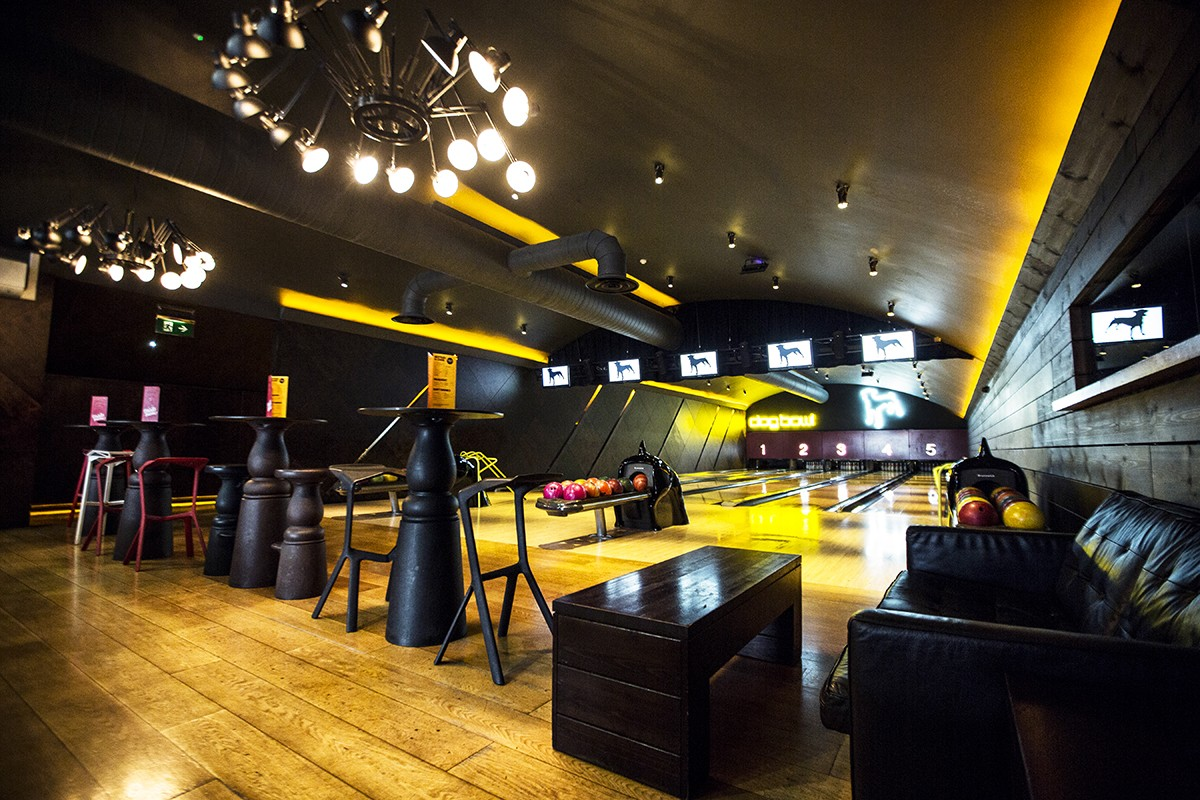 black-and-yellow-bowling-alley-at-black-dog-ballroom-indoor-activities-manchester