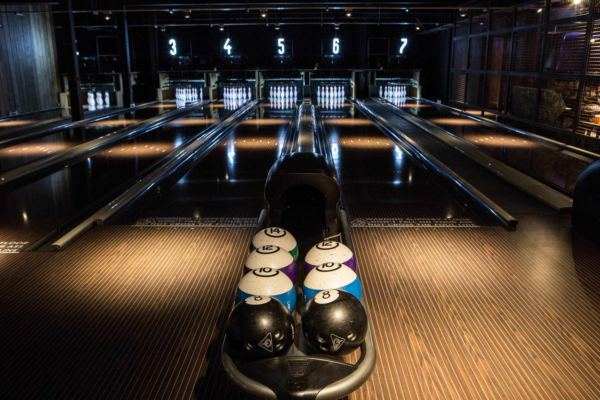 bowling-alley-in-the-dark-lane-7-date-ideas-liverpool
