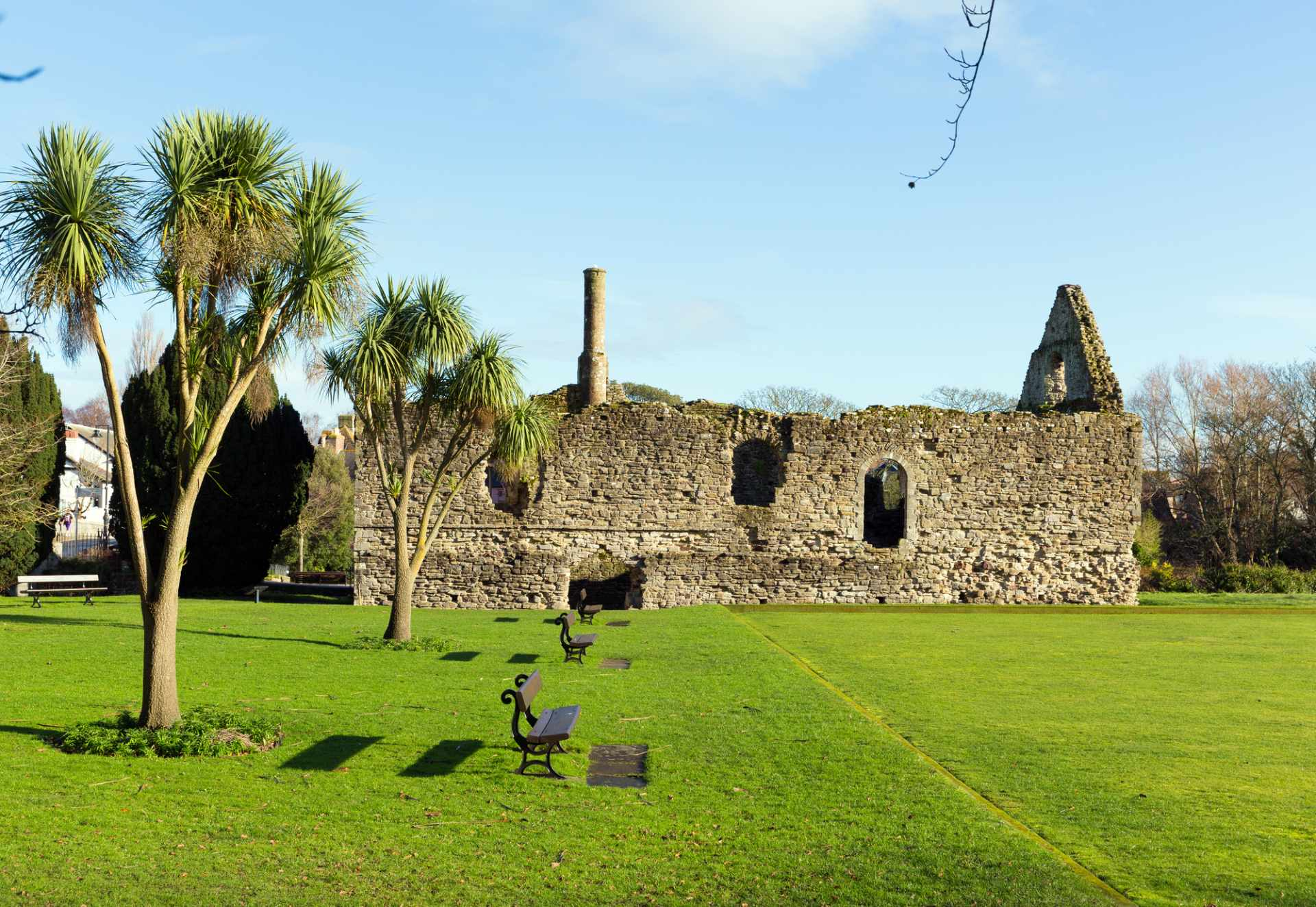historic-constables-house-norman-dwelling-ruins-of-christchurch-castle-castles-in-dorset