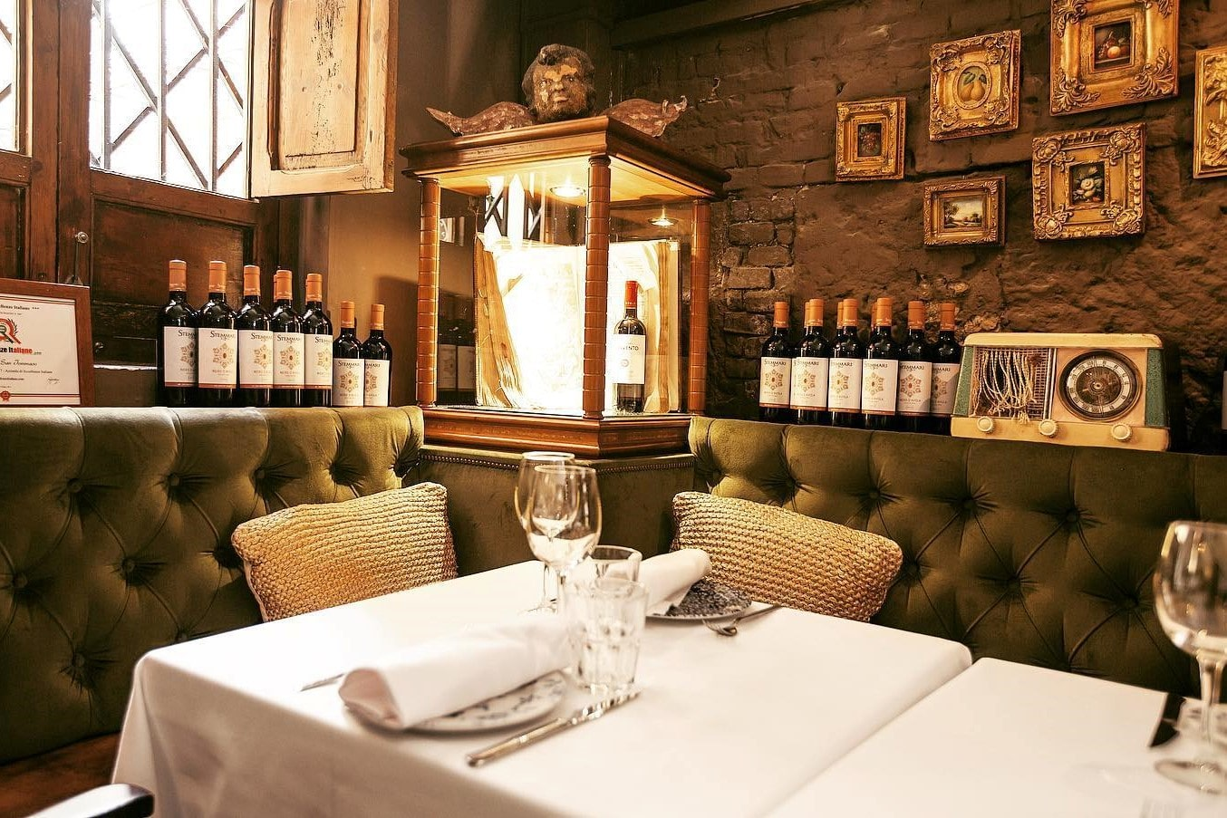 italian-restaurant-in-wine-cellar-san-tommaso
