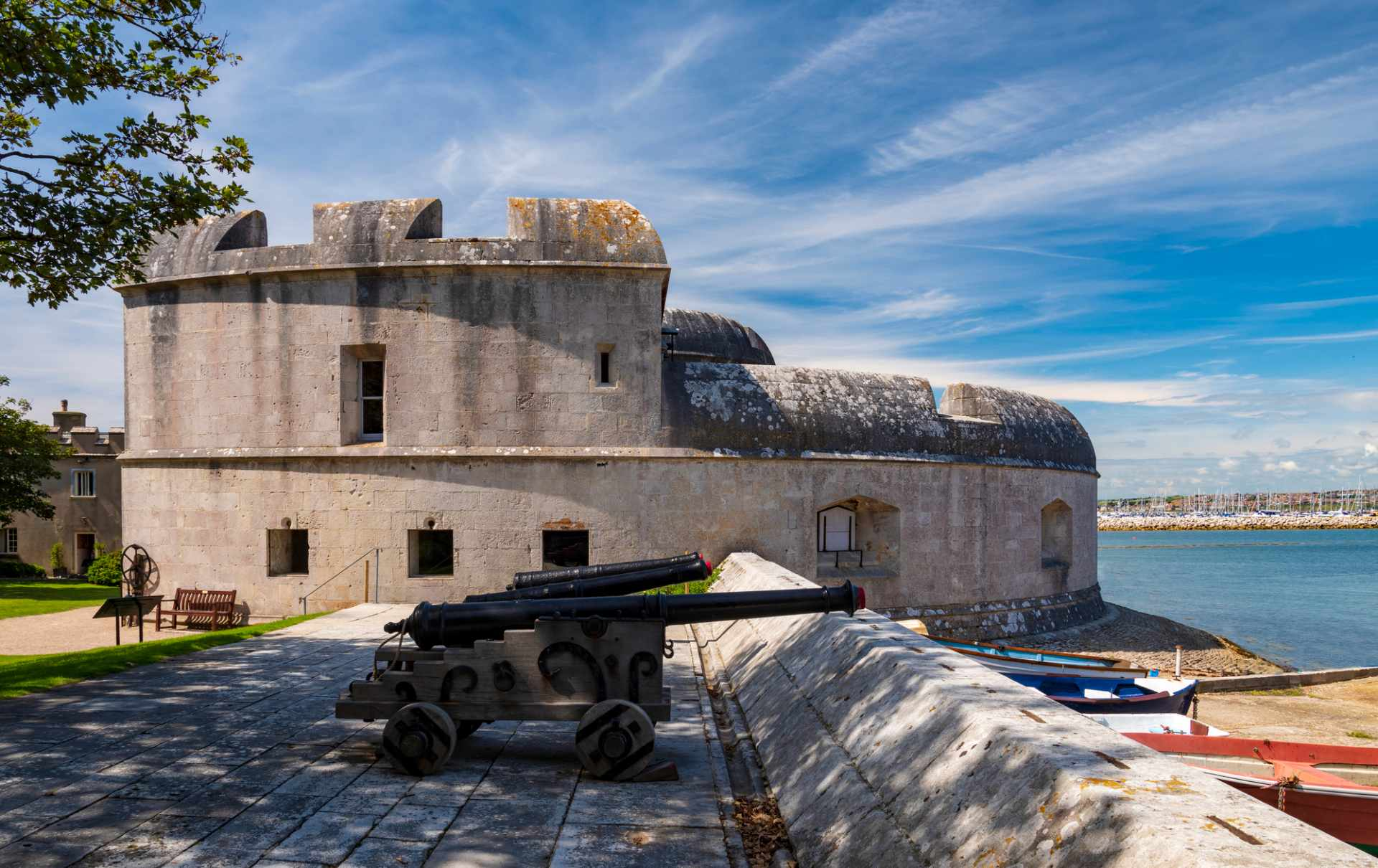 portland-castle-and-canons-pointing-out-to-sea-with-blue-skies