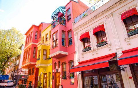 street-lined-with-bright-colourful-pink-yellow-and-orange-buildings-in-kuzguncuk-istanbul-hidden-gems