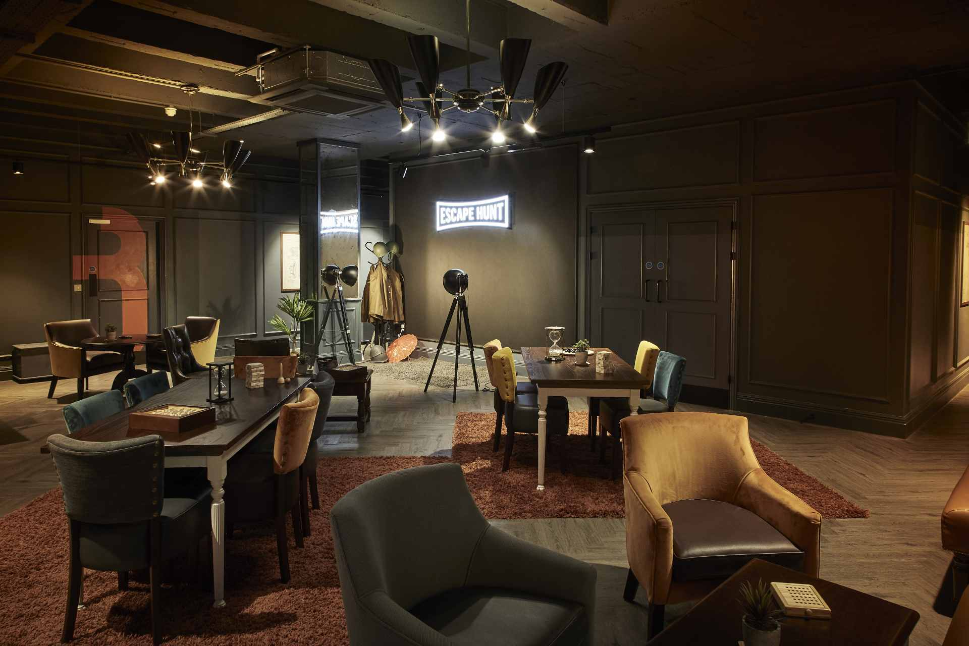 tables-in-dark-room-at-escape-hunt-date-ideas-liverpool
